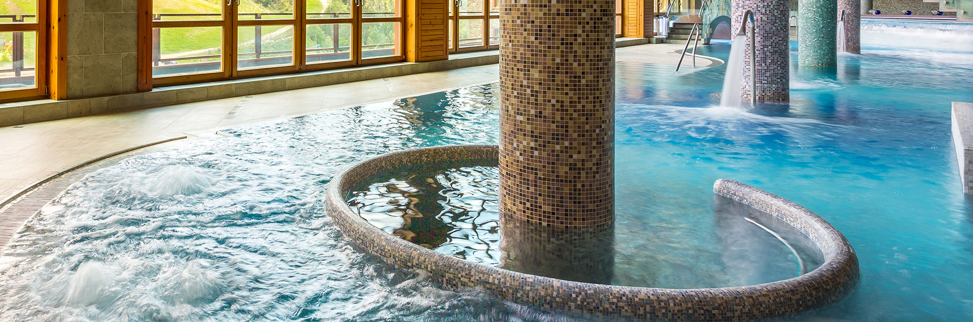 differents temperatures pool luxury spa and hotel andorra